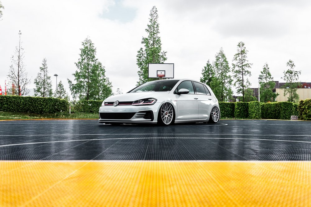 VW Golf 7 KNTRL / Rotiform